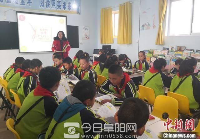 教育部:学校应减少考试次数 坚决禁止分班考试